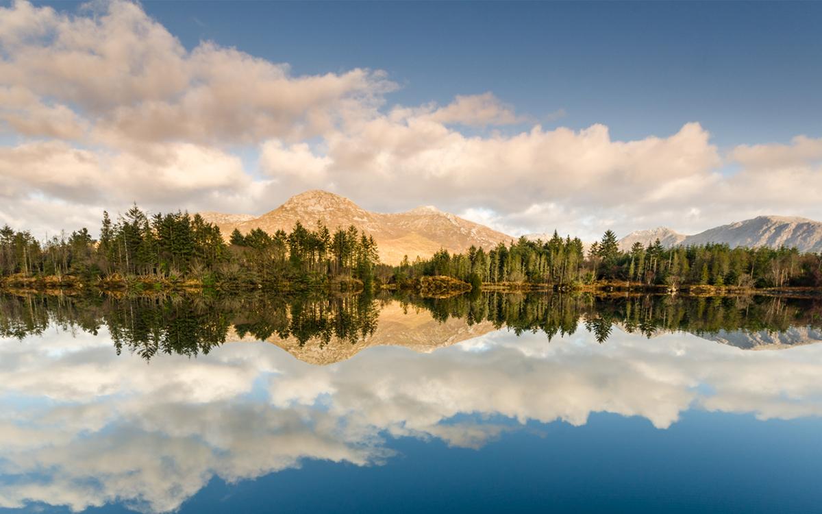 Reflet miroir sur les lacs du Connemara