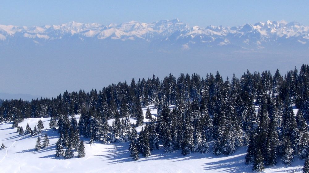 Image Traversée du Jura franco-suisse en raquettes