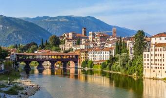 Bassano del Grappa et le fleuve de la Brenta