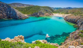 La crique de Cala Domestica en Sardaigne