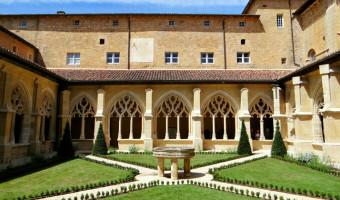 Cloître de l'abbaye de Cadouin