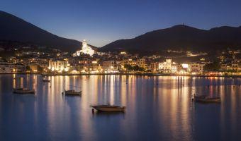 À la nuit tombé sur Cadaqués