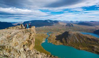 Randonnée sur la crête de Besseggen dans le Jotunheimen
