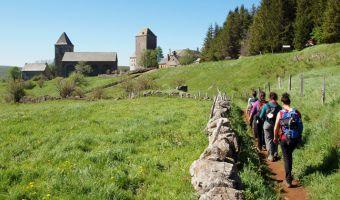 Randonnée au village d'Aubrac