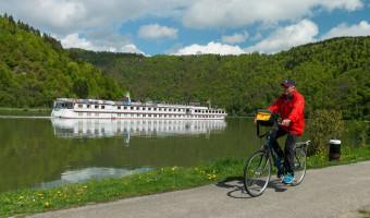 À vélo sur le Danube et le bateau MS Normandie
