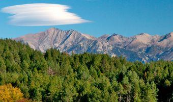 Vue sur le Canigou dans les Pyrénées