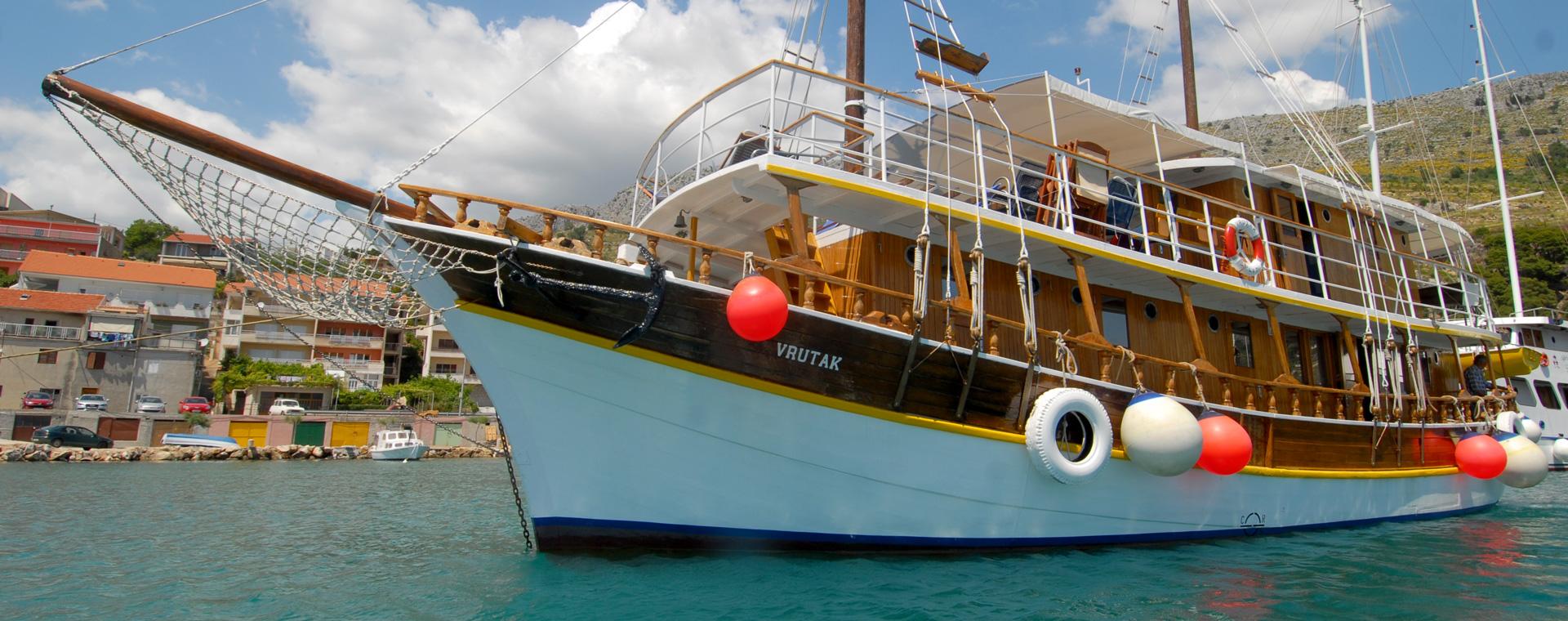 Voyage à pied : Randonnée et Croisière : les îles de Dalmatie au fil de l\'eau