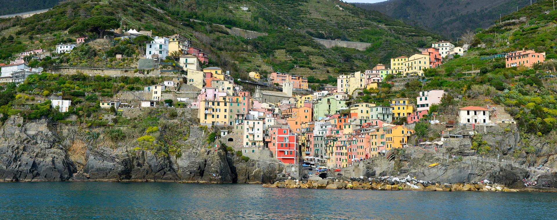 Voyage à pied : Les Cinque Terre, villages de pêcheurs et vignobles en terrasses