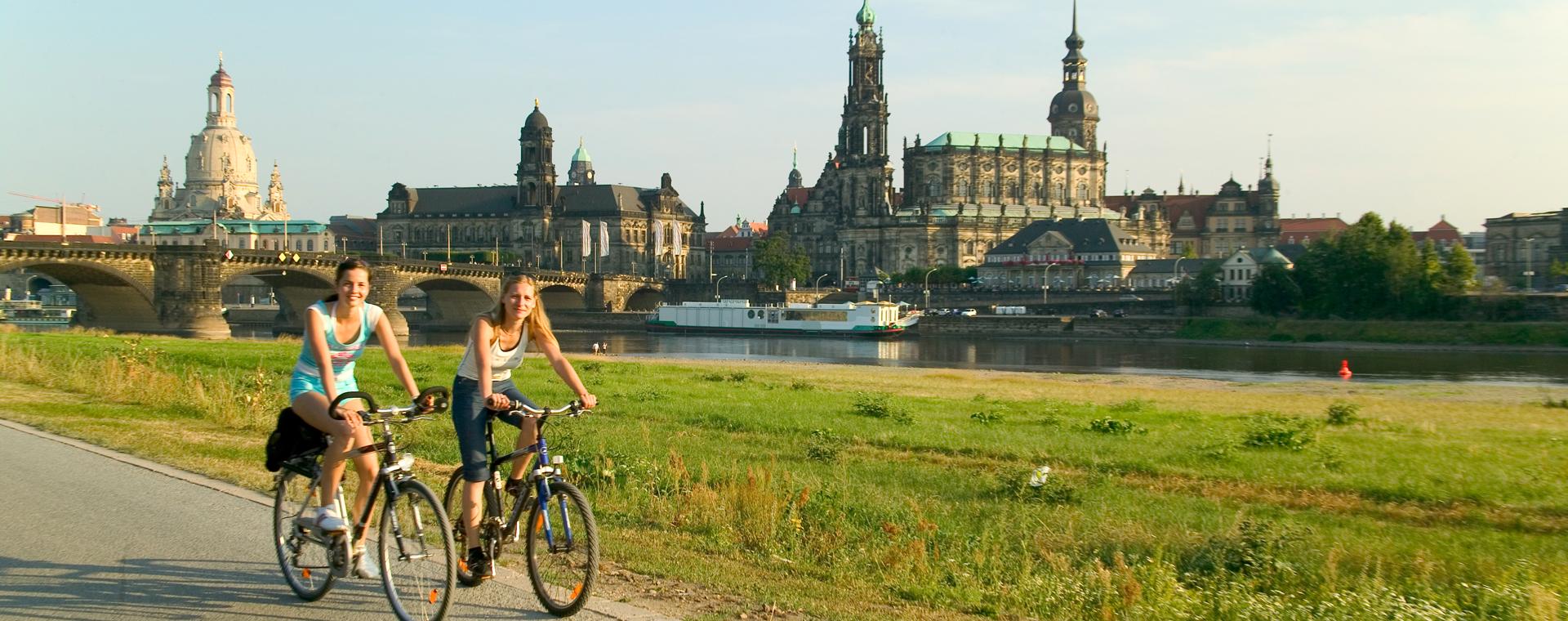 Voyage à pied : Au fil de l\'Elbe, de Prague à Dresde
