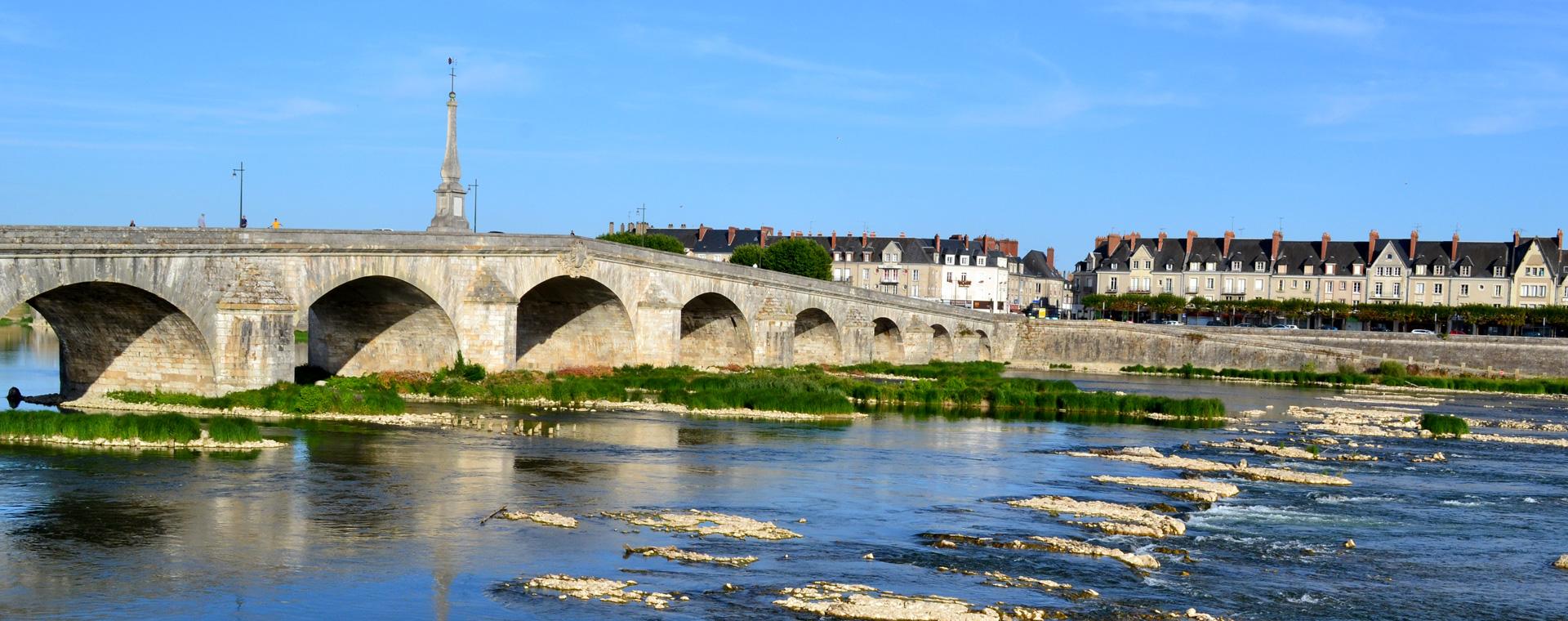 Voyage à pied : Pays de la Loire : La Loire de Blois à Angers