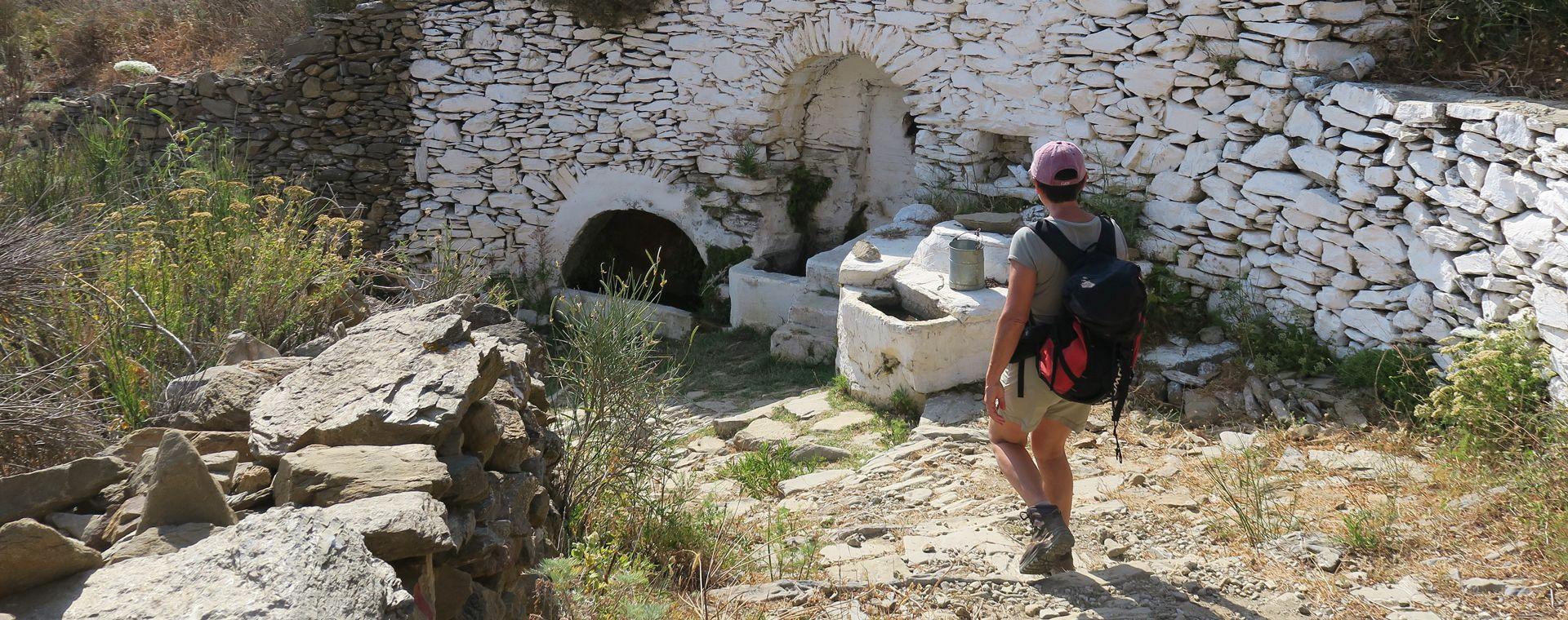 Voyage à pied : Cyclades orientales : Santorin, Naxos et Amorgos