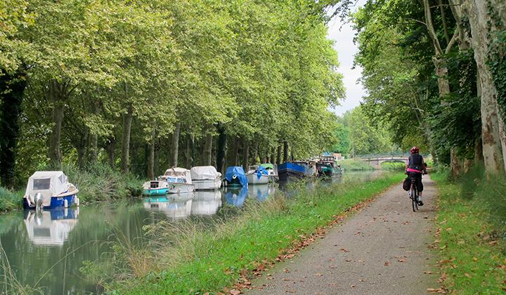 Voyage à vélo sur le canal de la Garonne