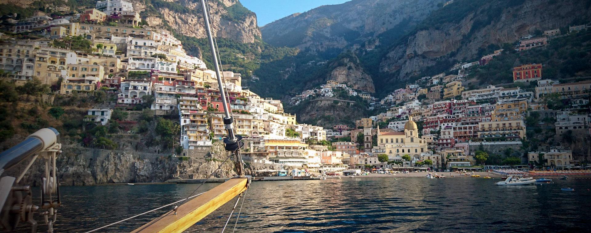 Voyage en véhicule : La Côte amalfitaine à vélo bateau